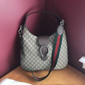 Gucci DIONYSUS MEDIUM GG SUPREME HOBO bag